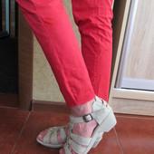 Босоножки - полностью натур.кожа. Туфли лодочки -джинс. Сникерсы - сетка. Мягкие и удобные!