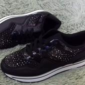 СП Красивые кроссовки, очень дорого выглядят!
