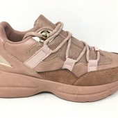 Кроссовки.  Фабричная обувь из Испании. Уже едут в Украину. Есть свободные размеры