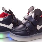 Детские кроссовки с подсветкой W. Niko в наличии