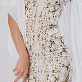 Невероятно красивое платье с принтом жемчуг по супер цене!
