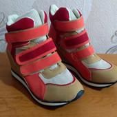 Демисезонная женская обувь.