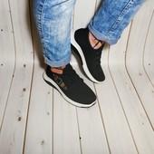 Легкие женские кроссовки сетка цвет черный и пудра