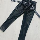 Стильные джинсы момы, брюки и лосины на весну-осень