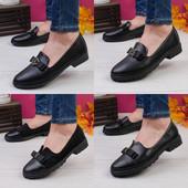 Жіночі туфлі.