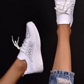 Женские стильные кроссовки всего 200 грн