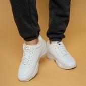 Теплі жіночі кросівки